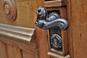 door-handle-3388259_960_720