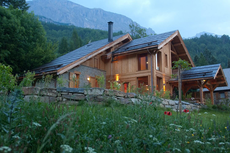 Optez pour la nouvelle tendance en construction de maison l 39 ossature en bois bricolo blogger for Maison de la tendance