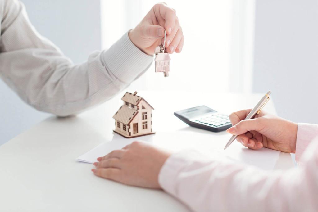Vendre sa maison a` l'aide d'une agence immobilie`re