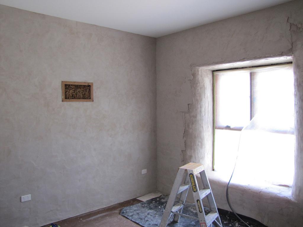 comment proc der pour enduire un mur de pl tre bricolo. Black Bedroom Furniture Sets. Home Design Ideas