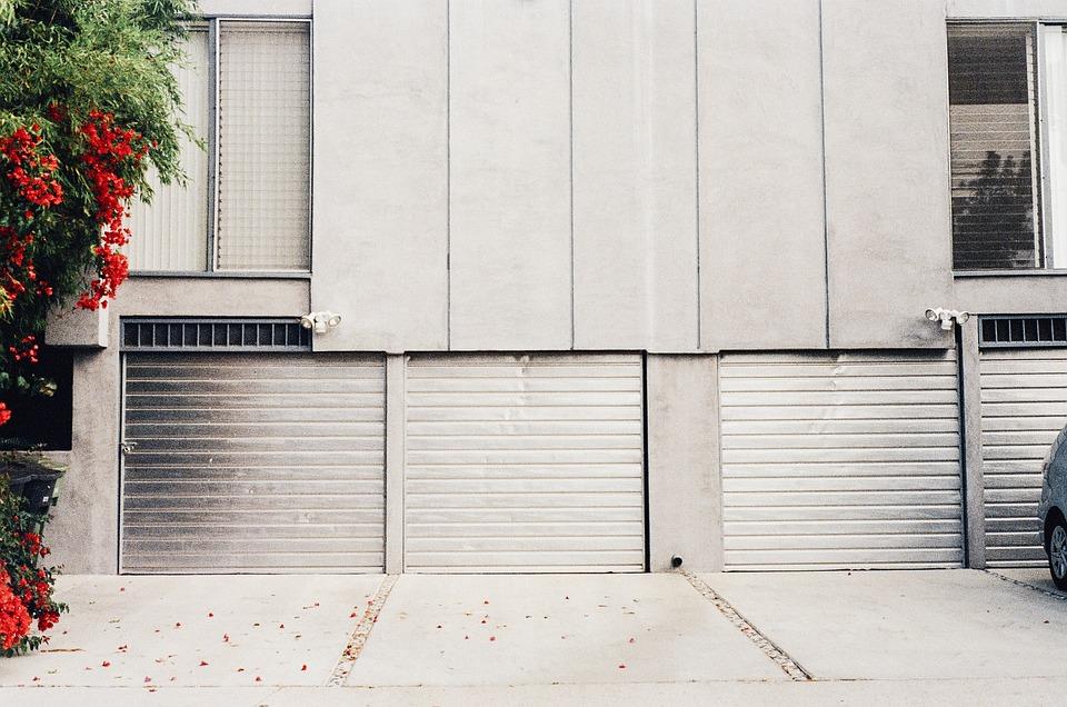 porte de garage en porte basculante